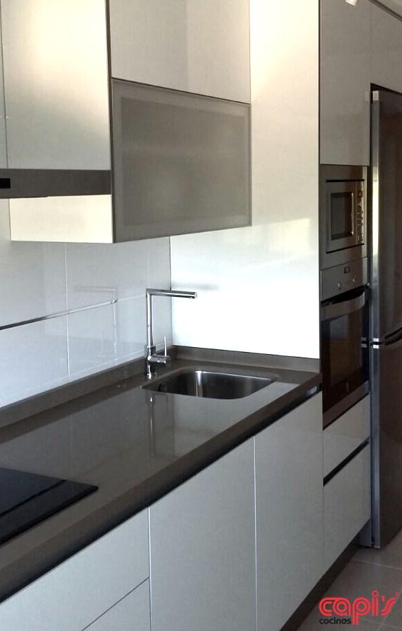 Cocinas marrones y blancas affordable great cocina - Cocinas marrones ...