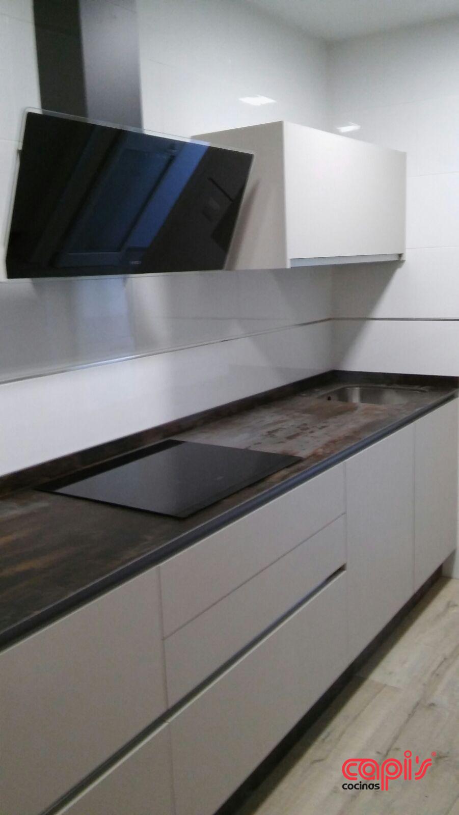 Encimeras de cocina de formica good cmo pintar y renovar - Encimeras laminadas de cocina ...