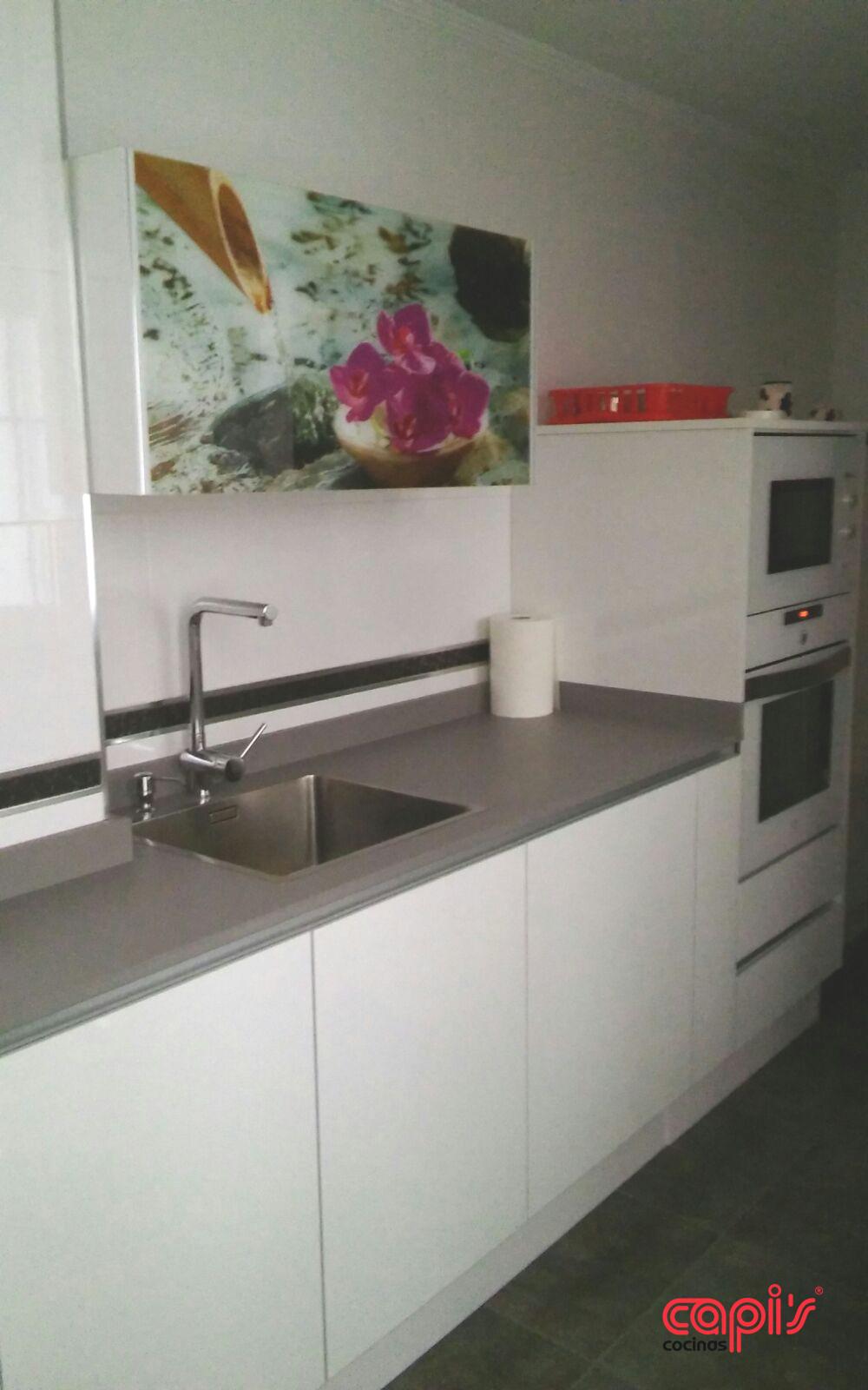 Serigraf a en la cocina cocinas capis dise o y for Encimeras de cocina formica precios