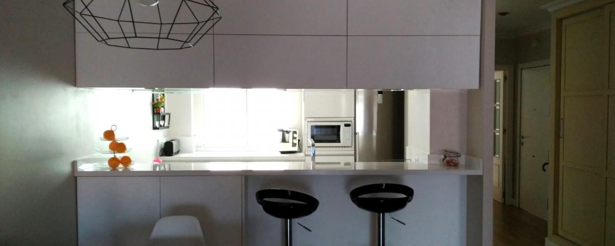 Cocina de concepto semiabierto - Cocinas Capis, diseño y fabricación ...