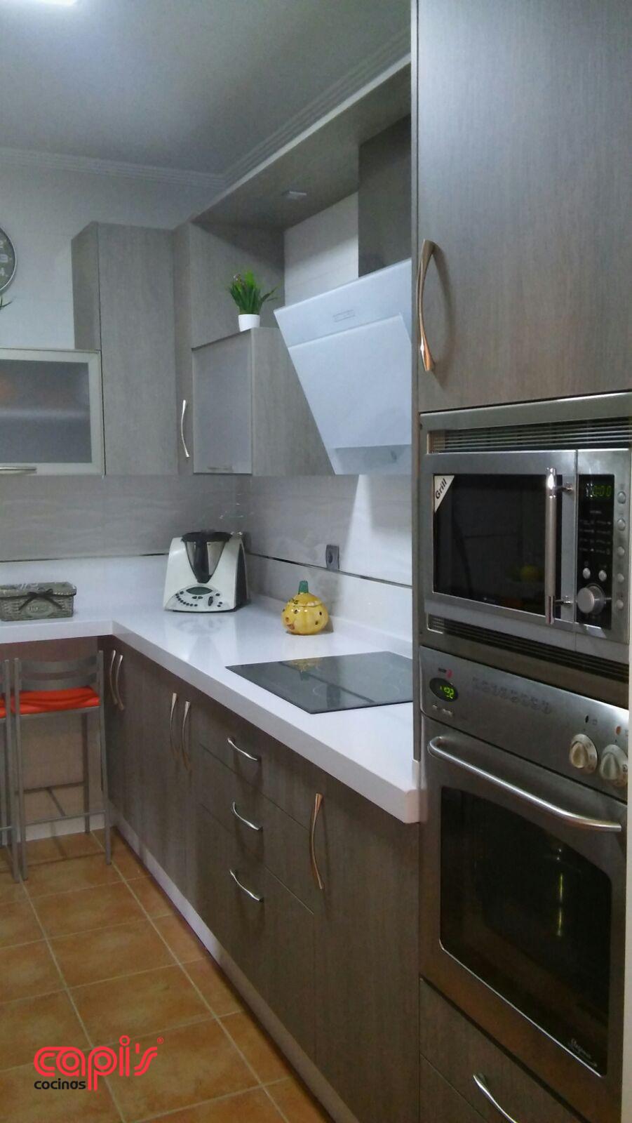 Cocina madera white storm cocinas capis dise o y - Cocinas en huelva ...