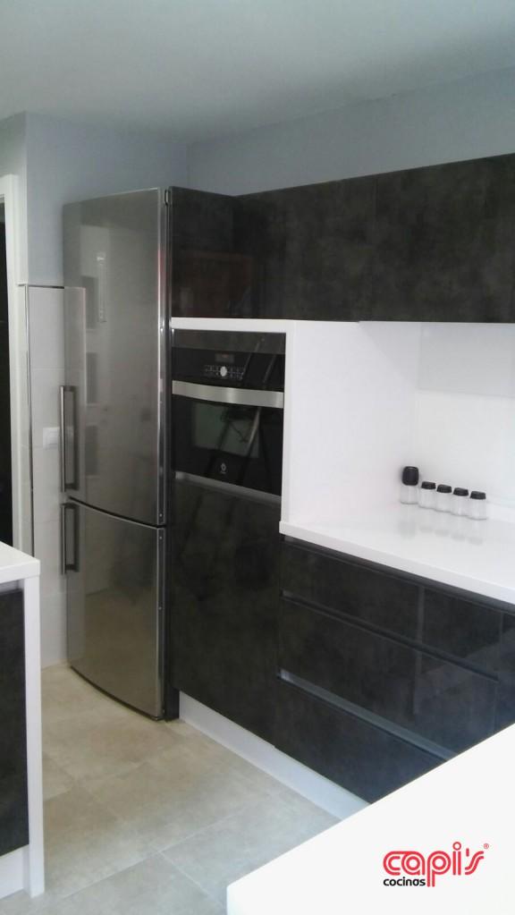Cocina antracita y blanco cocinas capis dise o y for Configurador cocinas