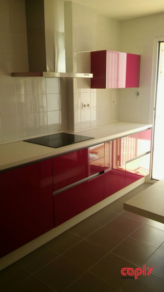 Cocinas rosa fucsia elegant cocina gris y fucsia alto brillo con silestone magenta cocina gris - Cocinas rosa fucsia ...